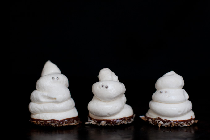 Spooky Ghost Meringues Recipe - 101 Cookbooks