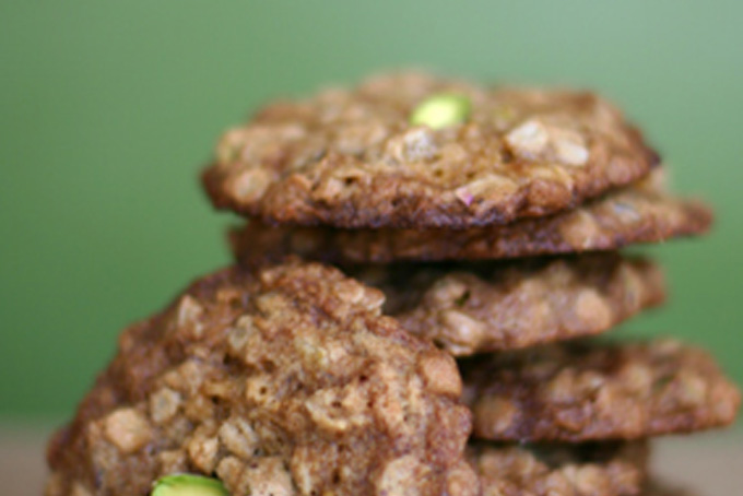 Pistachio Apricot Oatmeal Cookies