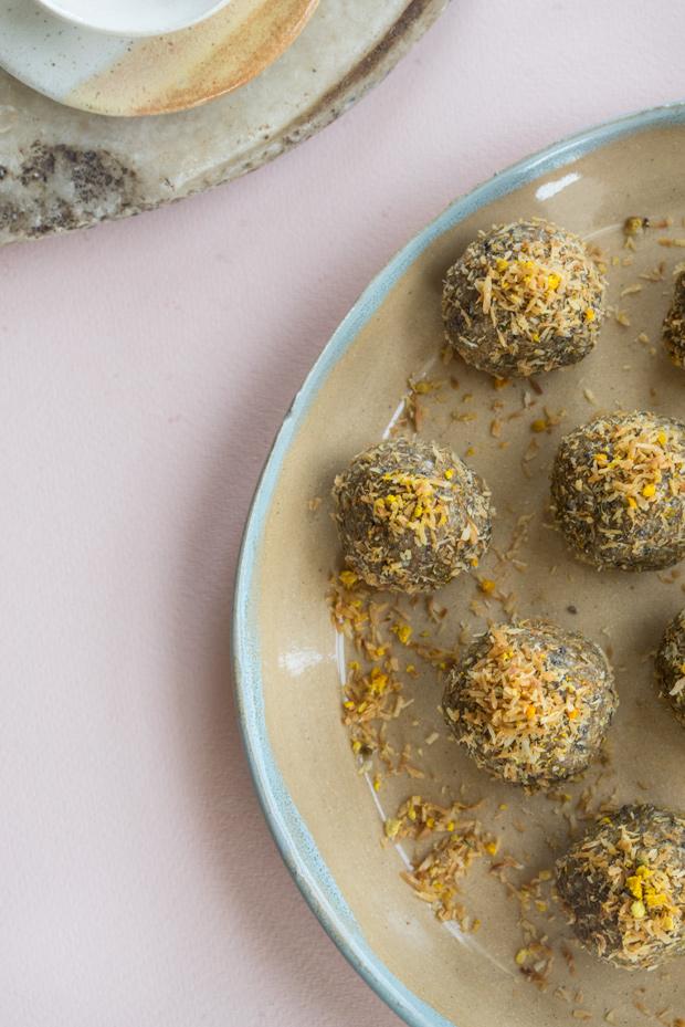 Quinoa Hemp Snack Balls